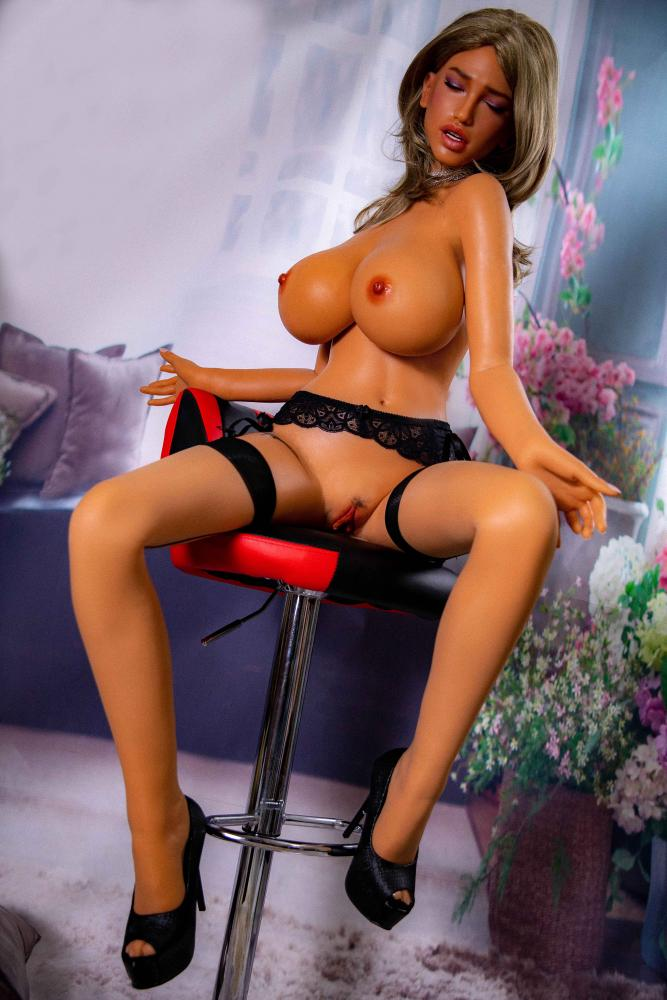 moaning face sexdoll silicon